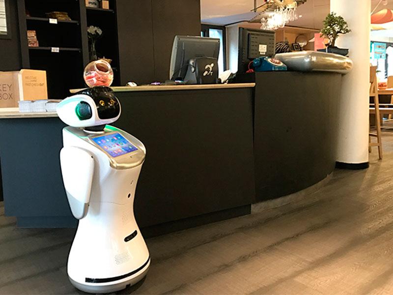 Robot en recepción